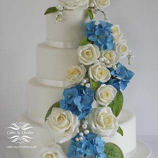 Hydrangeas and Roses Wedding cake
