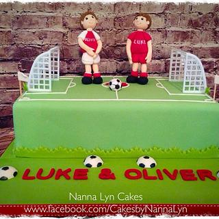 Footie for twins - Cake by Nanna Lyn Cakes