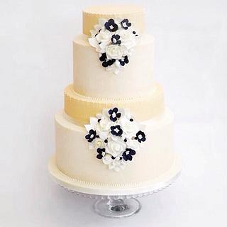 Vintage Ivory wedding cake