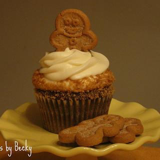 Gingerbread Latte Cupcakes - Cake by Becky Pendergraft
