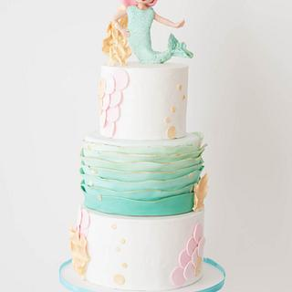 Sweet Summer Collaboration- The Mermaid in the Sea - Cake by Delicia Designs