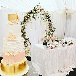 Gold leaf  Wedding cake  - Cake by Lilli Oliver Cake Boutique