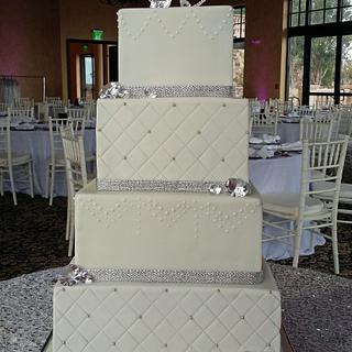 Square tiered wedding elegance!