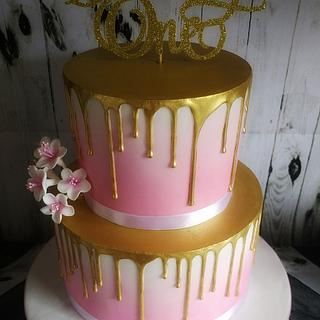 Pink ombre drip cake