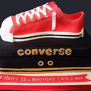 Converse Shoe & Shoebox