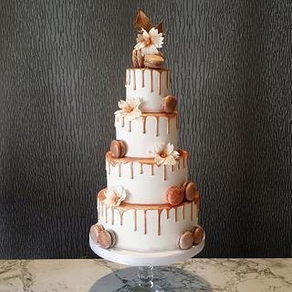 Bronze drip wedding cake