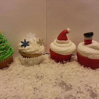 Holiday Cupcakes - Cake by Priscilla