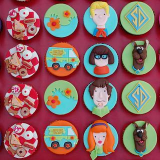 Scooby Doo Cupcakes - Cake by Lesley Wright