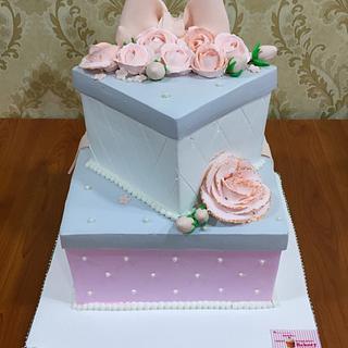 Whipped cream gift cake