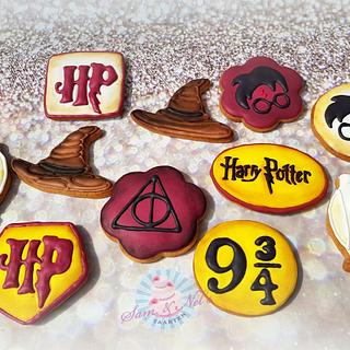Harry Potter icing cookies