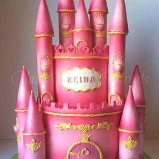 Pink Castle cake - Cake by clairessweets