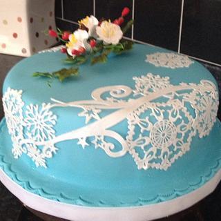 Blue and White sparkle snowflake cake
