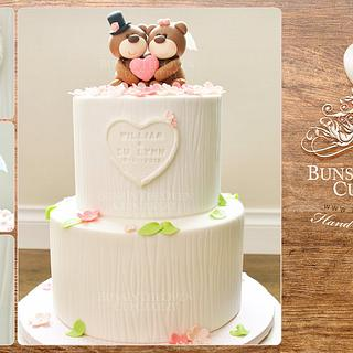 Beary Merry Wedding Cake