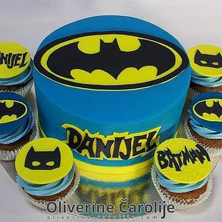Batman Cake and cupcake