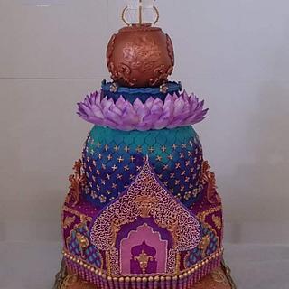 Royal wedding cake! 🌸