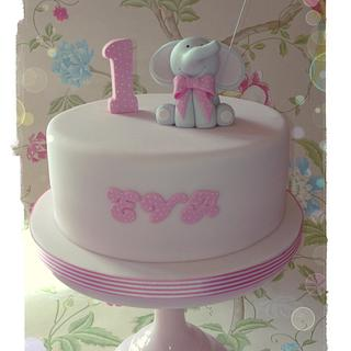 First Birthday - Cake by LREAN