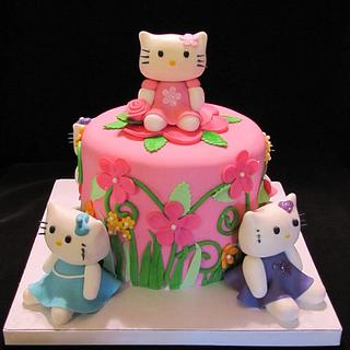 Hello Kitty(s) Cake