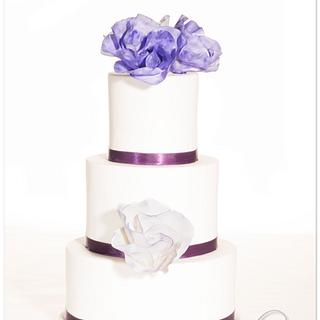 """""""Classic Rose"""" design in purple - Cake by Olivia's Bakery"""