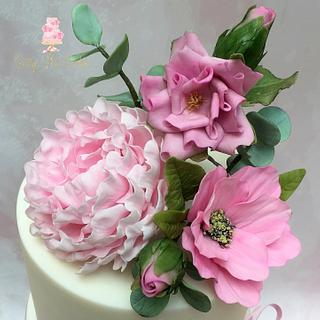 A collection of sugar flowers  - Cake by Seize The Cake