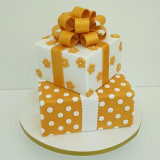 Golden Wedding Present Cake