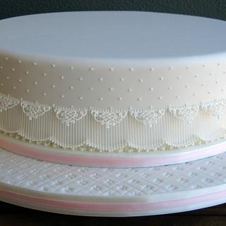 Hand-piped lace cake - Cake by Hana Rawlings