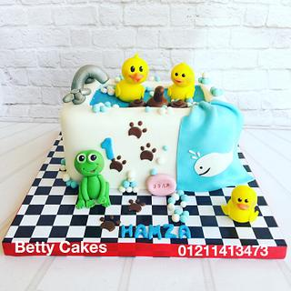 Bathtub baby cake