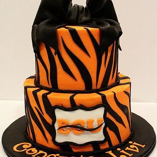 Livi's Graduation - Cake by Kendra