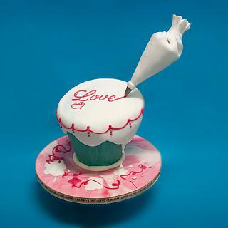 Gravity Defying Wonky Cake - Cake by Extreme Bakeover