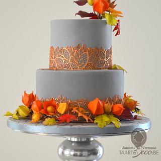 autumn cake with wreath
