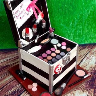 Make Up Case Birthday Cake