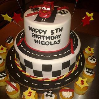 """Movie """"Cars"""" Cake & Cupcakes"""