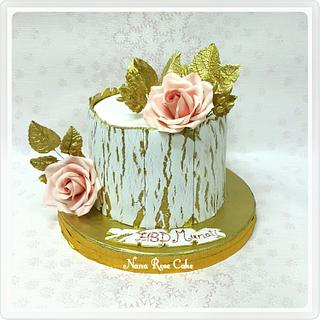 Gold and White crackled cake
