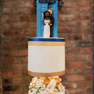 Tardis Dr Who Wedding Cake - Cake by Bonn Boni