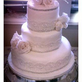 Vintage Hollywood Wedding Cake - Cake by fiestykax