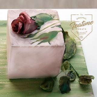 Ceramic Inspired Roses - Cake by Tayyaba Usman