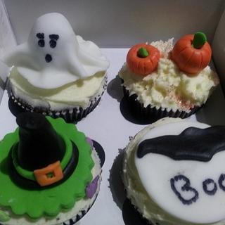 Frozen & Halloween Cupcakes