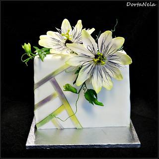 CAKE WITH PASSIFLORA