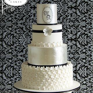 Silver Glamour - Cake by Sugar Avenue Cakes