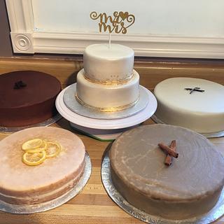 5 wedding cakes!