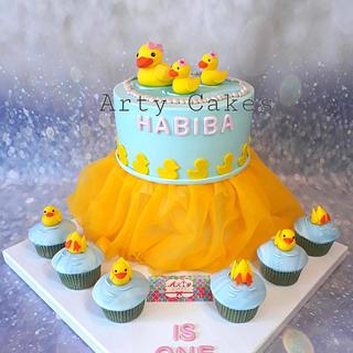 Ducklings cake by Arty cakes