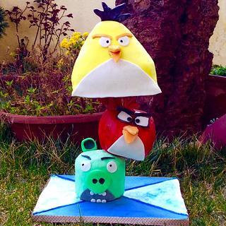 Angry birds gravity cake