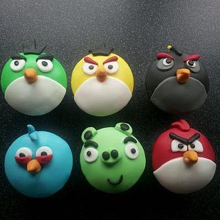 angry bird cupcakes - Cake by countrybumpkincakes