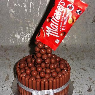 Malteser Gravity cake - Cake by Lelly