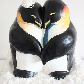 Emperor penguin wedding cake