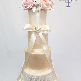 Wedding cake - Cake by Cake Addict