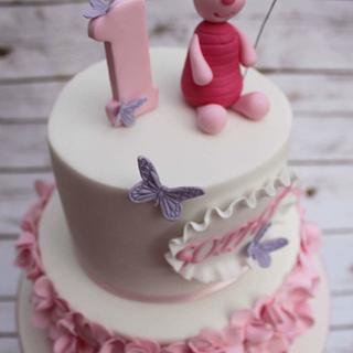 piglet daisy ruffle cake