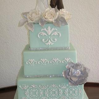 Stencilled Cake with horses and sugar flowers