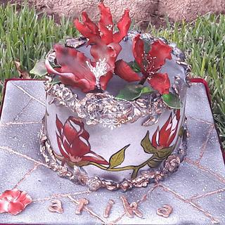 RED FLOWERS CAKE