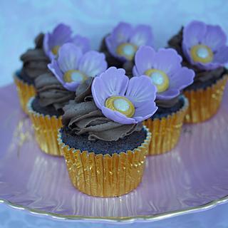 Jeweled Flower Chocolate Cupcakes
