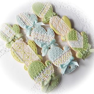 Needlepoint mitten cookies